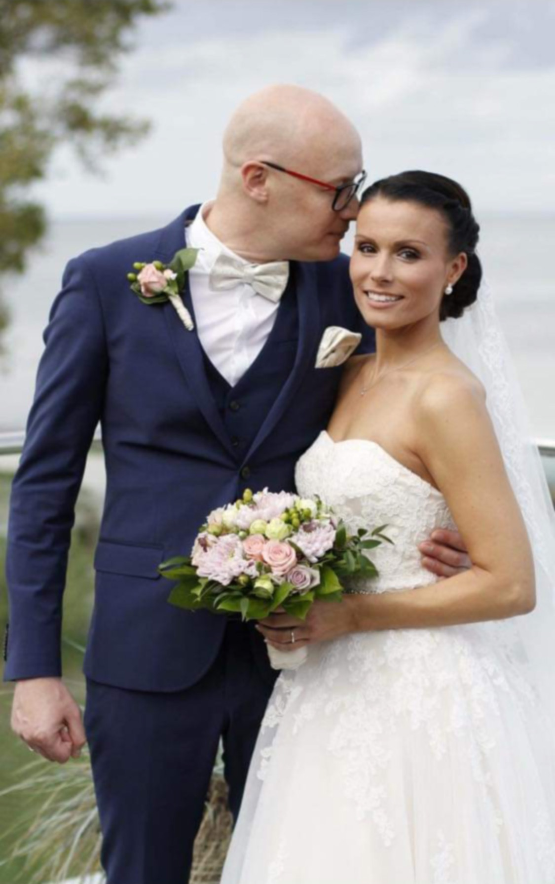 Smuk sommerbrud i vintage brudekjole fra Chanelladreams